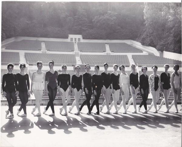24-Dancers-Audition-at-Greek-p2