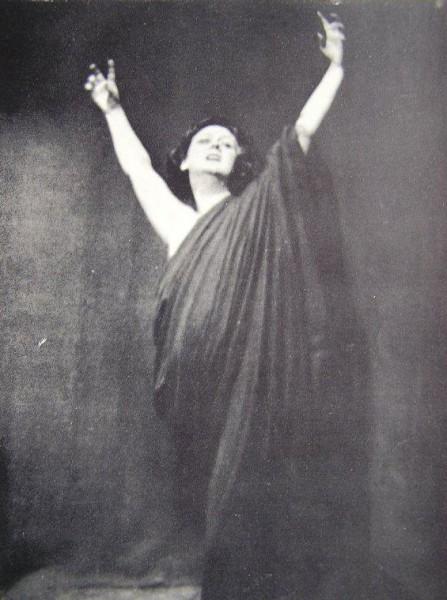 Isadora-Duncan Portfolio565w